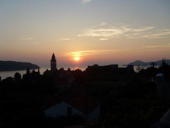 Apartments Mihajlovic : sunset at Lopud..
