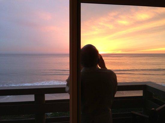 Cypress Inn on Miramar Beach : the beginning of sunset