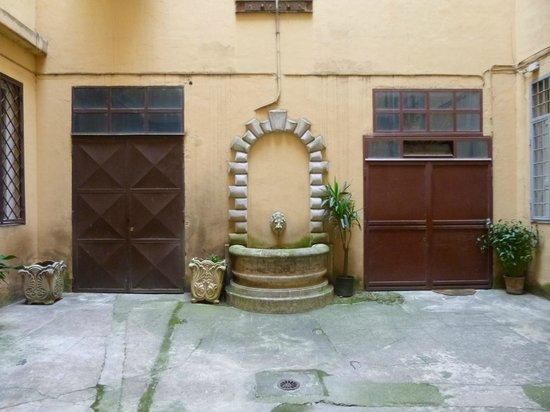 Residenza Praetoria: Courtyard