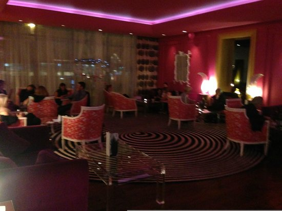 the g Hotel & Spa Galway: The Pink Room