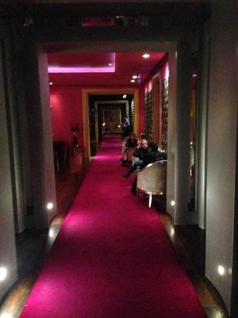 the g Hotel & Spa Galway: Downstairs Lounge area