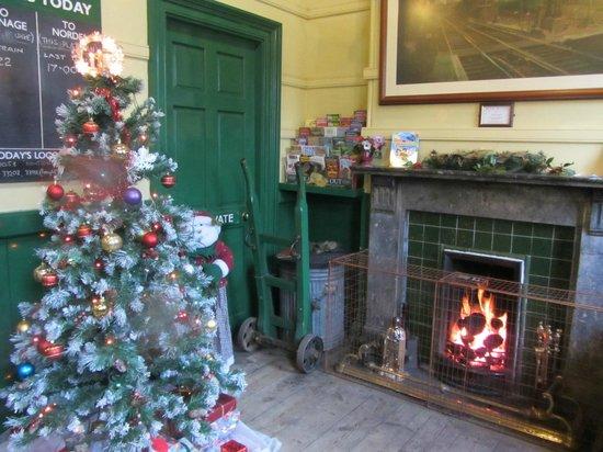 Swanage Railway: Corfe railway station waiting room