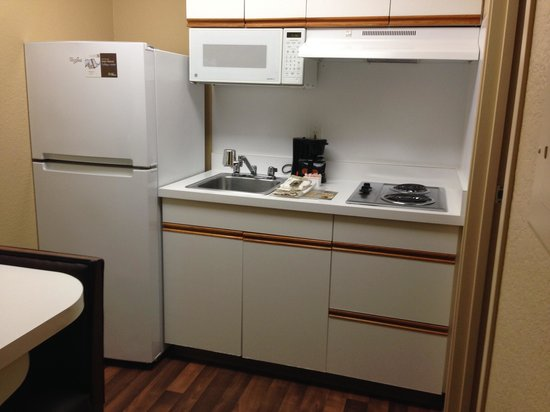 Extended Stay America - Portland - Tigard: Kitchen