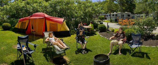 Powder Horn Family Camping Resort: Enjoying a beautiful summer day.