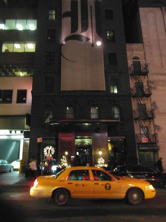 Night Theater District: Outside