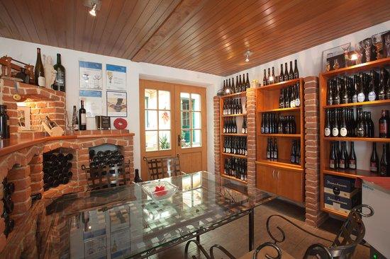 """Weingut """"In der Spitz"""": Vinothek mit unserem Weinsortiment"""