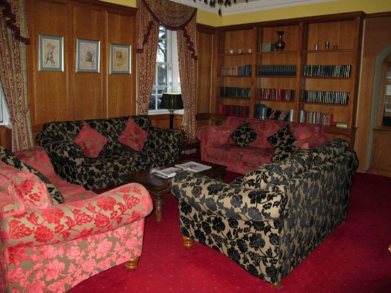 Celtic Royal Hotel : Library