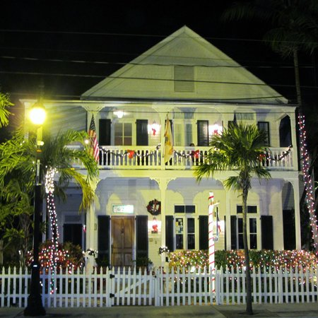 The Conch House Heritage Inn: The Conch House Inn at Night