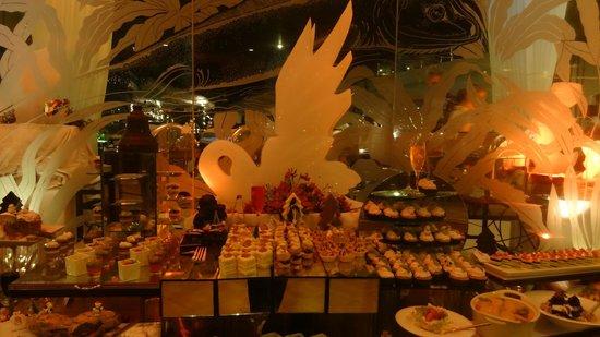 Eden Resort & Spa: Dining