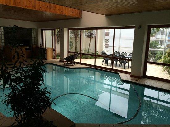 Algoa Bay Bed and Breakfast: Indoor Pool/ Breakfast Area