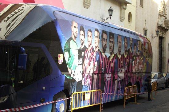 City Sightseeing Seville: seville de barcolana takım otobüsü-maç var-
