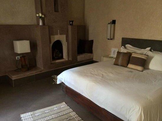 Dar Maya: Room
