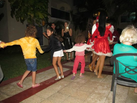 Occidental Costa Cancun: The Nutcracker was performed for Christmas by the entertainment staff