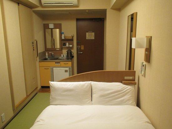 Dormy Inn Tokyo Hatchobori: ベッド×畳
