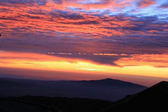 Mauna Kea Summit Adventures: A gorgeous sunset from the top!