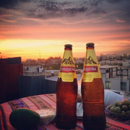 Hostel Positive Backpackers: Nice little rooftop to see the sunset