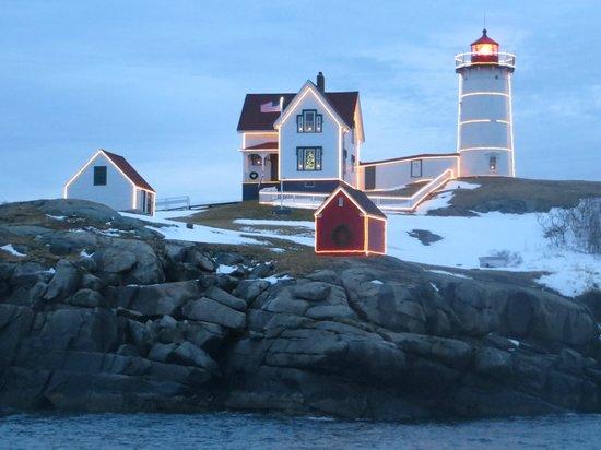 Cape Neddick Nubble Lighthouse : with snow
