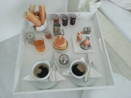 Mas Ste Marie : petit déjeuner