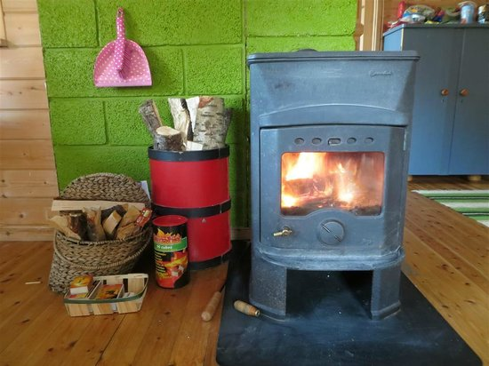 Little Red House: Nice Stove to keep you warm