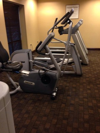 Holiday Inn Express Hotel & Suites Wilmington-Newark: Very limited gym but does the job