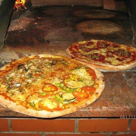 Pizzerija pod gradom Tržič Dolhar