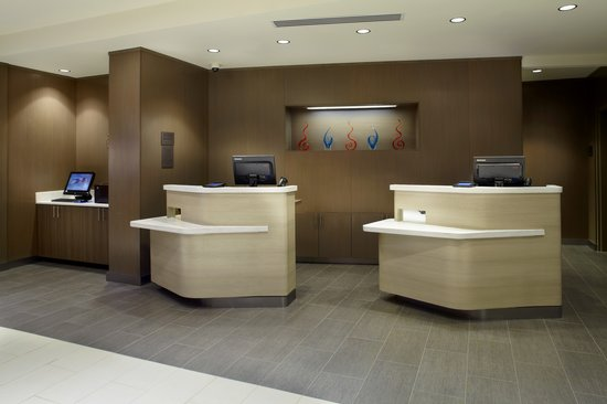 Courtyard Knoxville West/Bearden: Front Desk