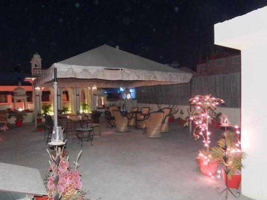 Vinayak Guesthouse: rooftop