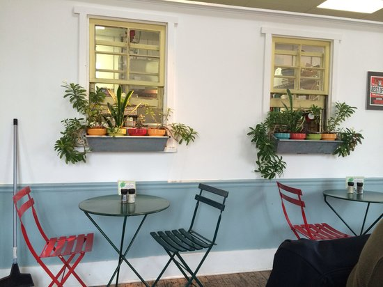 Laurey's Catering and Gourmet to Go : Adorable decor. Stop in for lunch!