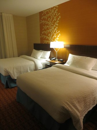 Fairfield Inn & Suites Hershey Chocolate Avenue: 2 Queen Beds