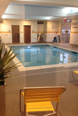 Fairfield Inn & Suites Hershey Chocolate Avenue: Indoor Pool