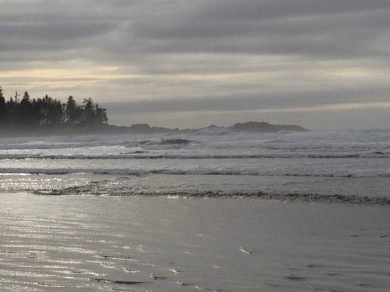 Florencia Bay Hideaway: storm watching