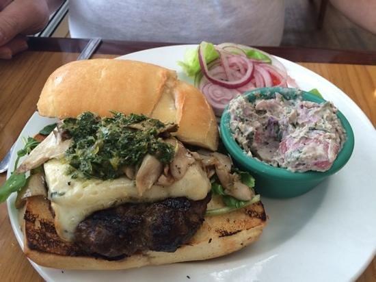 Annie's Island Fresh Burgers: fantastic!