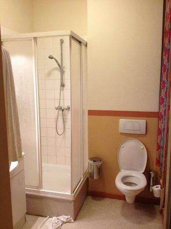 Poortackere Monasterium Hotel: algemene badkamer