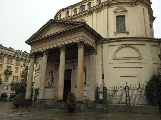 Santuario Basilica La Consolata: Extérieur