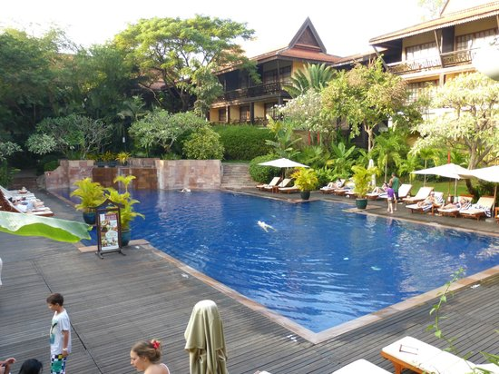 Victoria Angkor Resort & Spa : Pool is beautiful.