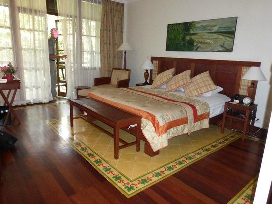Victoria Angkor Resort & Spa : Beautiful room, great attention to detail.
