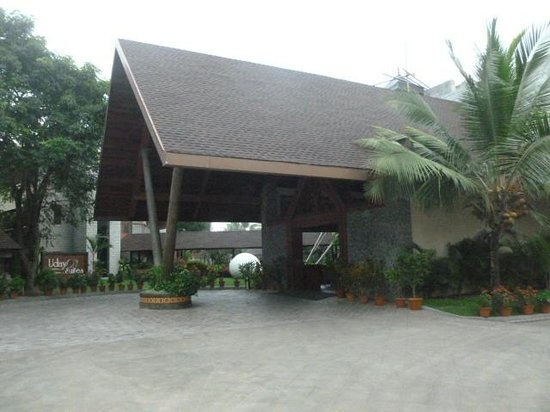 Uday Suites: Reception on Arrival