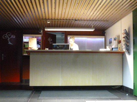 Academic Hostel: フロント