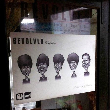 Постер отеля Revolver.