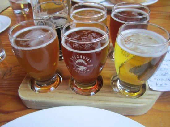 Deschutes Brewery: beer flight