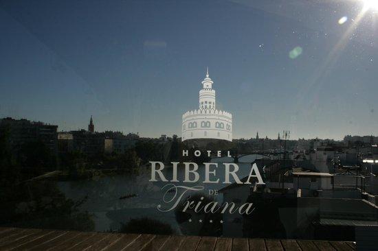 Ribera de Triana Hotel: De jour