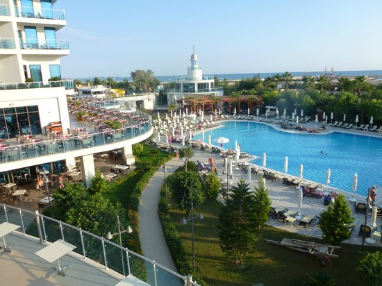 Commodore Elite Suites & Spa: Pool View