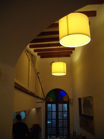 Sa Cova : Lovely exposed beams, coved archways and box lighting.