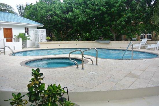 Cocotal Inn & Cabanas: pool