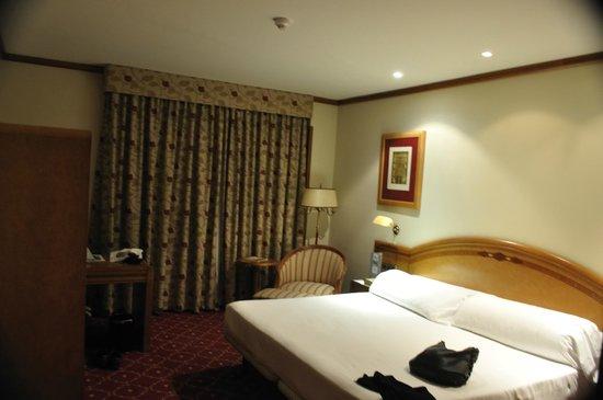 Eurostars Las Claras: Dormitorio suite 404