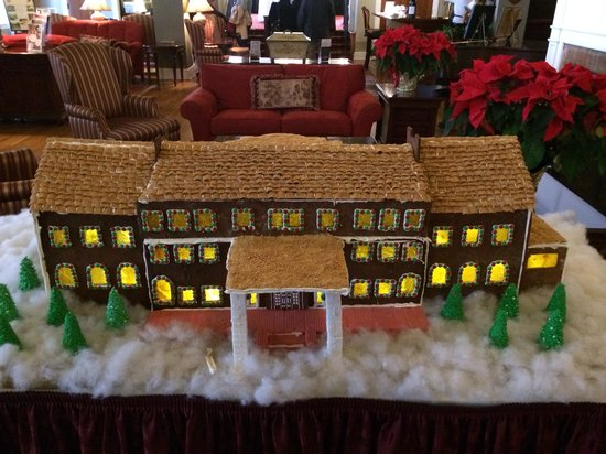 The Mimslyn Inn: Cute gingerbread house.
