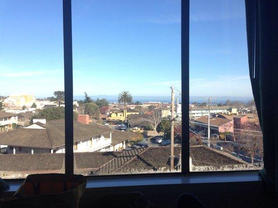 Days Inn Monterey Downtown: 3rd floor ocean view.