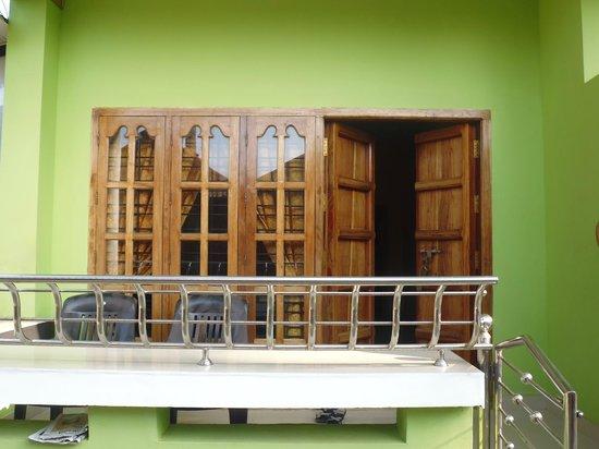 Green Plaza: Balcony