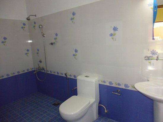 Green Plaza: Bathroom