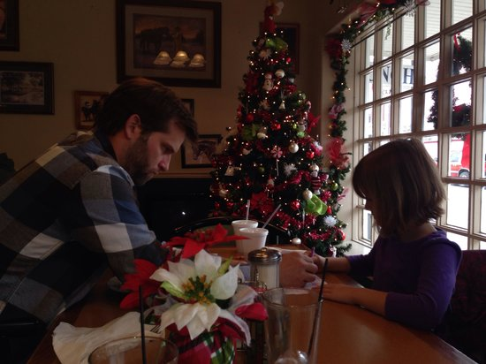 Uncle Buck's Family Restaurant: Father daughter tic tac toe